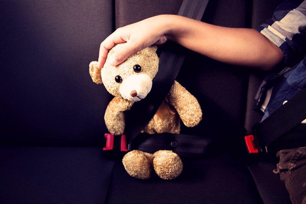 viaggiare-bimbi-auto-sicurezza