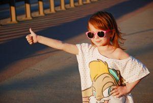 occhiali sole sicuri per bambini