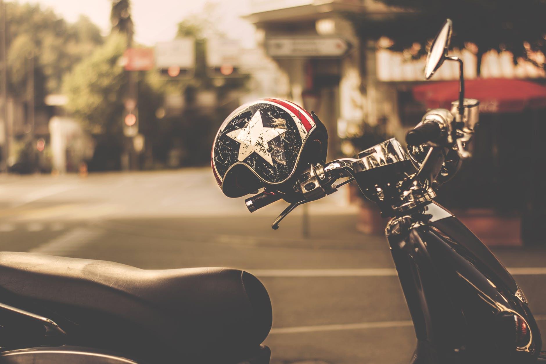 sicurezza dei bambini in moto e scooter