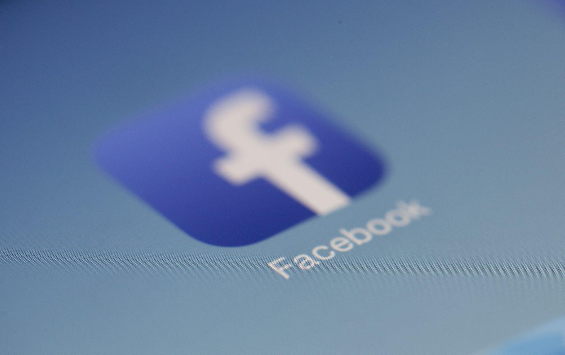 facebook-sicurezza-bimbo