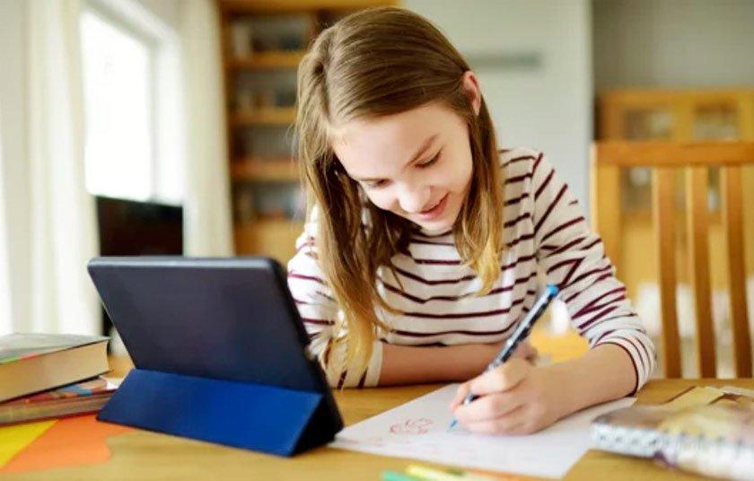 Tablet per seguire le lezioni online
